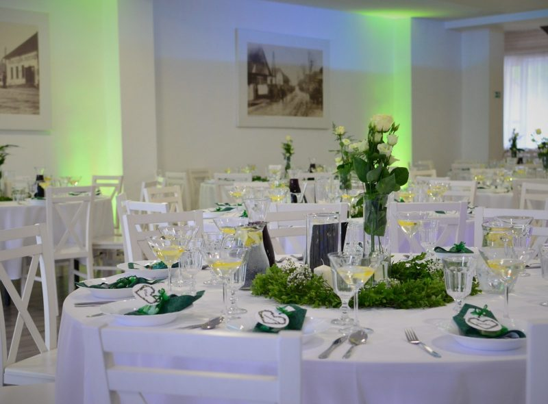 Fotografia svadobných stolov